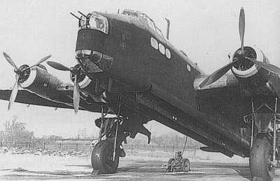 Short Stirling на аэродроме