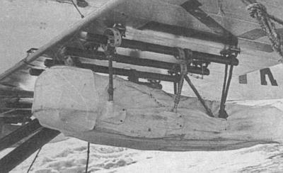 Пассажирская кабина под крылом Р-5 для эвакуации челюскинцев